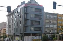 Edificio de viviendas en las calles Vázquez de Parga y Darwin (Carballo)